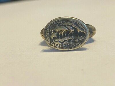 Medieval Islamic bronze gilt seal ring