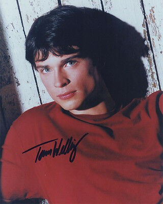 * * SMALLVILLE * *  Superman (TOM WELLING) Autographed 8x10 RP