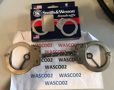 SMITH & WESSON Model 100L 4-Link Chained Handcuffs & 2 Keys