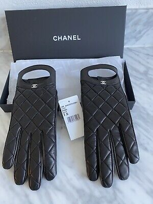 New CHANEL Black Leather Quilted Gloves With CC Logo In Silver Size 7.5 With Box