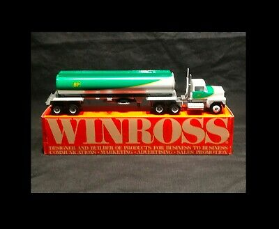 Winross Die Cast Collectible - Bp Oil Tanker & Tractor