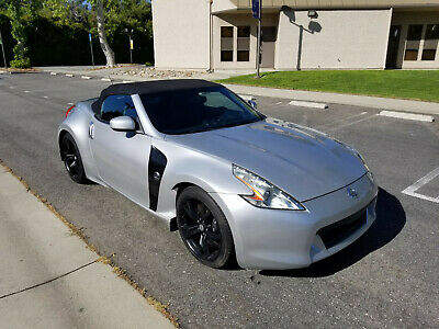 2012 Nissan 370Z Sports Car Coupe 2012 Nissan 370Z Sport Package 6-speed manual hard top coupe 83k Miles We Ship