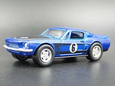 1968 68 Ford MUSTANG Fastback Rare 1:64 Echelle de Collection Voiture Miniature