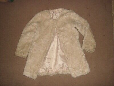 01 H & M Cream Faux Fur Fully Lined  Girls Full Length Coat Age 5/6 Years