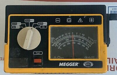 Biddle 212159 Megger/Ohm Meter With Case Untested As Is.