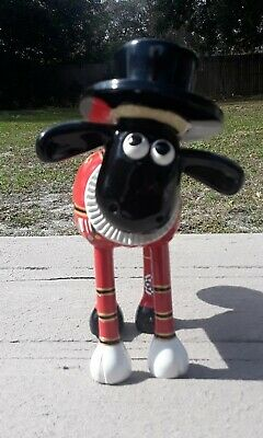 Shaun In The City Beefeater Figurine Sheep
