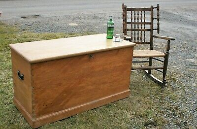 Large Victorian Pine Blanket Box / Coffee Table ?
