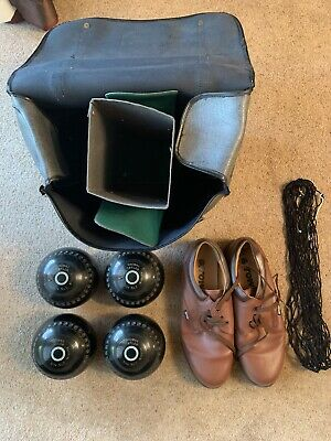 Set of 4 Thomas Taylor Bowls in Size 2, Size 10 Shoes and Carry Case