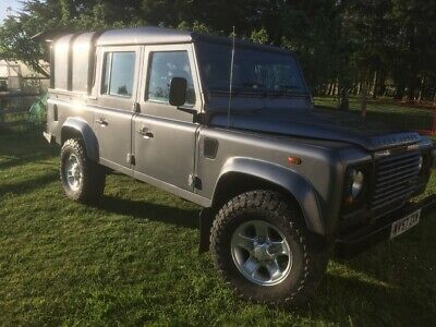 Land Rover Defender Double Cab crew cab pick up ifor williams top