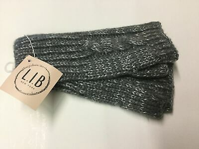 Gray cable knit fingerless gloves