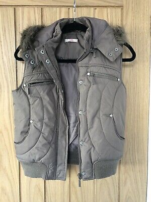 Girls Sophie Gilet / Bodywarmer in Khaki with Fur Hood and pockets. Age 14 Years