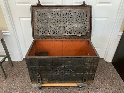 "ARMADA CHEST, IRON STRONGBOX  PIRATE ""TREASURE BOX"" OF 1600's   MUSEUM QUALITY"