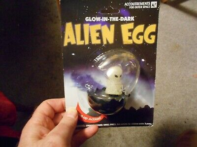 GLOW IN THE DARK ALIEN EGG  baby alien windup  1996 accoutrements
