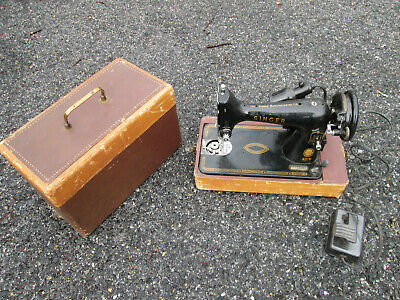 Vintage 1956 SINGER Sewing Model L 99 Machine ! Good Cond. Motor Works, Light-NO