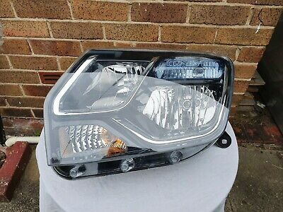 Dacia Duster Left Hand Headlight, 2016. For left hand drive cars only.