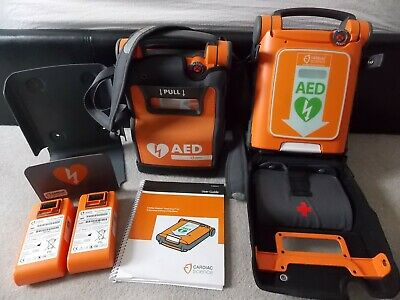 2 x Cardiac Science Powerheart G5 AED Automatic Cases Wall mount