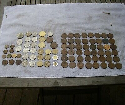 LOT: 89 Assorted Mexican Coins, inc 1926 Silver Peso, 48 Old 20 Centavos, Etc