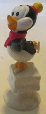 """1982 Lantz CHILLY WILLY Penguin ice skating PVC Figure on suction cup 3"""""""