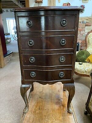 Antique style small Chest of Drawers