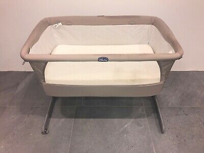 Chicco Next2me Crib in beige. Very good condition.
