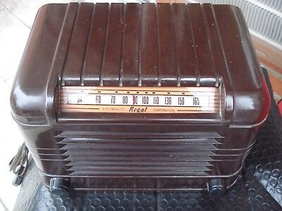 Original 1942 Regal Vintage Radio