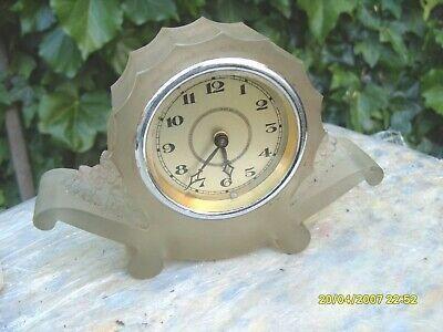 Mantel  Clock Glass  Cased  30  Hours Working  Ticking