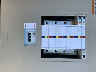 8 way 3 phase distribution board used 125A