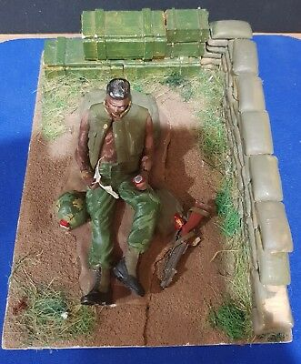Vietnam Diorama US soldier in bunker with M79 grenade launcher RARE