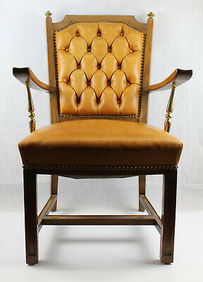 (1 of 2) Chesterfield Chair wood gold