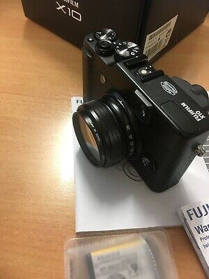 Boxed Fujifilm Fuji X10 12MP 2.8' 'Screen 4x Zoom 28-112mm Digital Camera BLACK