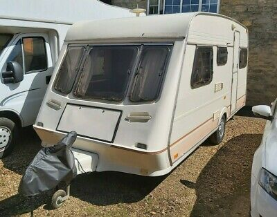 Fleetwood Garland 5 Berth Touring Caravan with Awning and Accessories