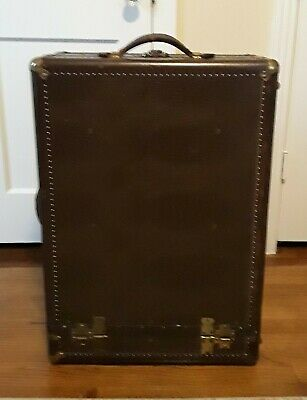 Hartmann Tourobe Gibraltarized Antique Cushion Top Wardrobe Case