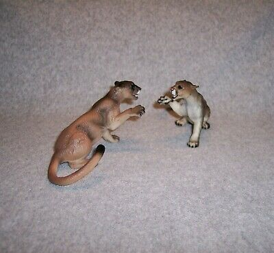 *Cougars*  (Puma; Mountain Lion) ~ set of 2  models ~ Very Realistic!!   .New!