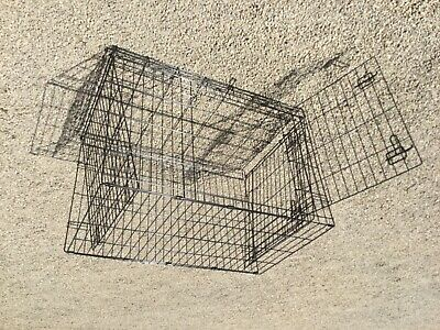 Dog Crate.  Medium size. 91x57x62 cm.  Unused.
