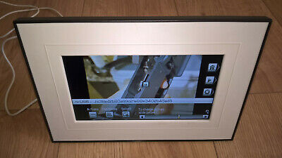"Kodak Easyshare P720 -  7"" Digital Picture Frame, Quick Touch Border Operation"