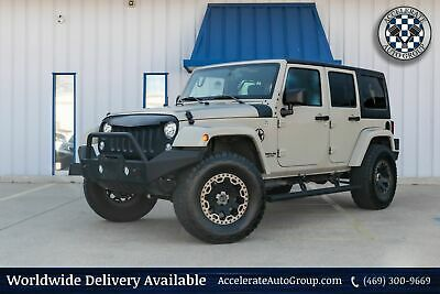 2017 Jeep Wrangler Unlimited UNLIMITED SARAHA CUSTOM 4X4 VERY NICE CLEAN CARFAX 469-300-9669