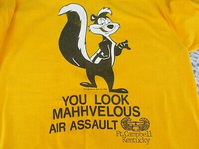"""Vintage 1966 Warner Bros.""""Pepe Le Pew""""Ft. Campbell Kentucky101st AirborneT-Shirt"""