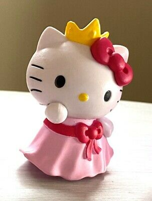 Princess Hello Kitty Valentine Figurine in Heart Capsule