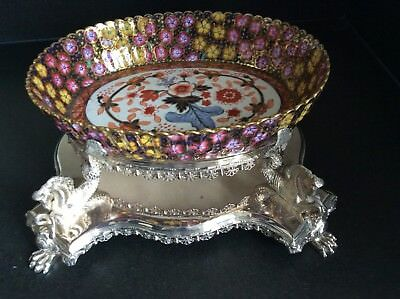 Stunning Copeland Bowl on Silver Plated Stand