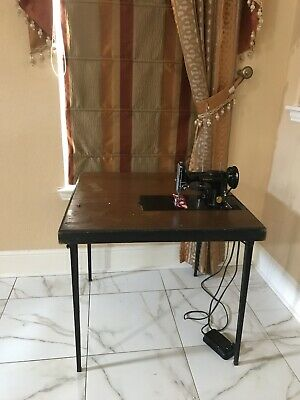 Singer 1946 featherweight sewing machine Serial #AG874806 Works See Video