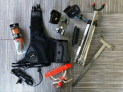 Archery starter's ancillary kit, incl various guards, tabs and stand