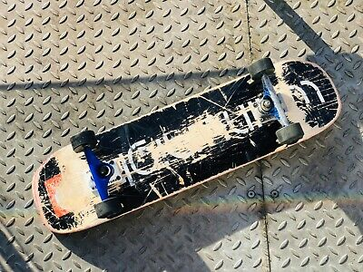 Complete Skateboard- with new FRICTION TRUCKS - SE13 LDN