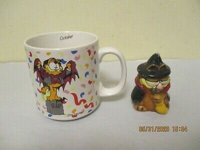 Vintage 1978 Garfield Count Dracula Count On Me To Party Mug Cup + Extra Candle