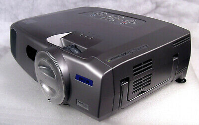 EPSON 7900P LCD Powerlite Projector HD Home Theater 4000 LUMENS Excellent