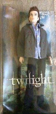 NEW Twilight Saga Edward Cullen Doll Figure Jeans And Jacket Outfit Collectible