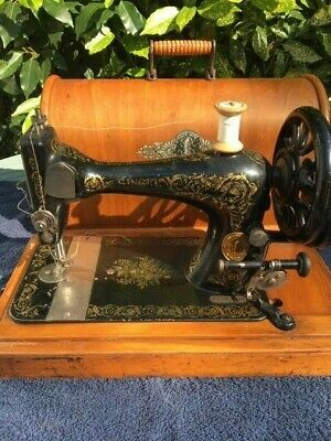 Antique Singer Hand Crank Sewing Machine With Bentwood carrying carry Case