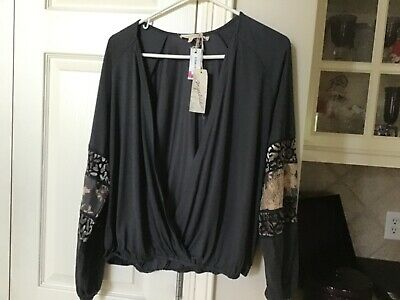 Mystree Women's Top Size Medium NWT-Beautiful