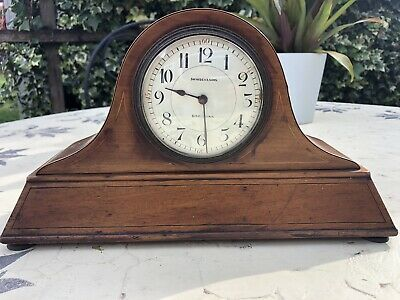 Vintage Mantle Clock With Key