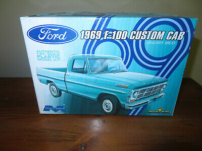 1969 69 FORD F100 SHORT BED PICKUP TRUCK STP RARE 1//64 SCALE DIECAST MODEL CAR