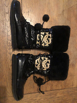 RRP£69 SIZE UK 2.5 GIRLS OFFICIAL GUESS WINTER POM POM BOOTS,BLACK,NEW IN BOX